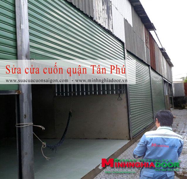 https://suacuacuonsaigon.com/files/assets/sua_cua_cuon_quan_tan_phu.jpg